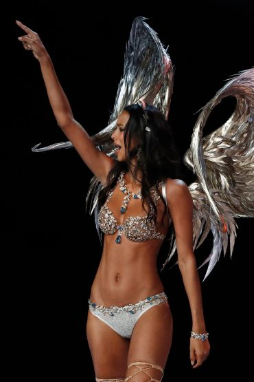 VS Model Lais Ribeiro_ show 2017